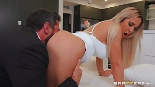 Best ass this guy fucked in ages, and the MILF all wet