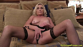 Sexy Exhibitionist Achieves Screaming and Squirting Orgasms
