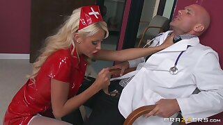 Busty blonde chick Courtney Taylor gets cum in mouth after fucking