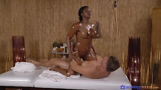 Nude ebony masseuse craves for the guy's dick in her thick ass