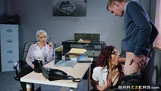 Hot holdings milf alongside specs takes advantage of her employee readily obtainable work